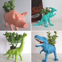 Imagem por makeyourdaydiy.com Pequenas customizações podem tornar pequenos vasos de plantas verdadeiras obras de arte![[MORE]] Um rostinho delicado, uma frase divertida, uma formato ou material...