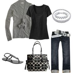 Cute grey & black casual look that looks extremely comfy Mode Chic, Mode Style, Style Me, Grey Style, Simple Style, Look Fashion, Fashion Outfits, Womens Fashion, Cheap Fashion