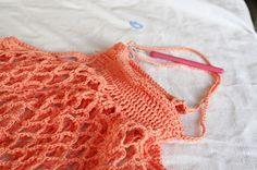 Matériel :   - 2 pelotes de DMC natura just cotton ou de Safran de Drops   - crochet 4,5 et 3,5   - anneaux marqueurs   - un rectangle ...
