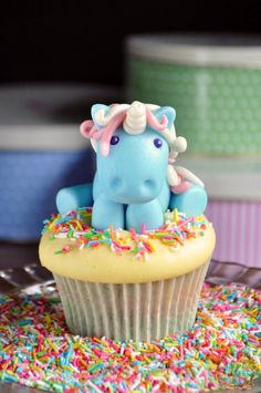 Rainbow Unicorn cupcakes - For all your cake decorating supplies, please visit craftcompany.co.uk