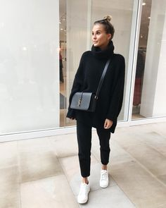Autumn - Fall - Winter - September - Fashion - Inspiration - Poem - Thoughts - Olsen Twins - Anniken - Annijor - Zoella - Zoe Sugg - OOTD - March 24 2019 at Fashion Mode, Look Fashion, Fashion Clothes, Womens Fashion, Fashion 2016, 2018 Winter Fashion Trends, Fashion Dresses, Autumn Fashion 2018 Casual, Winter Fashion Street Style