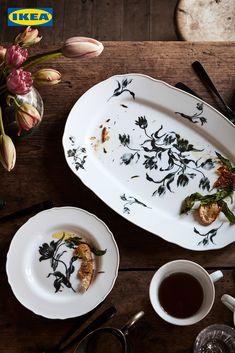 Entdecke jetzt unsere ländlich-rustikale Geschirrserie UPPLAGA und weitere Neuigkeiten für deine Küche auf IKEA.at. Side Plates, Serving Plates, Serving Dishes, Design Tradicional, Four Micro Onde, Ikea Family, Cooking Together, Mugs, Food Dinners