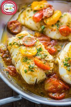 A quick and easy recipe for Pan-Seared Cod in White Wine Tomato Basil Sauce! Pan-Seared Cod in White Wine Tomato Basil Sauce - 22 Heavenly Cod Fish Recipes: Seafood Satisfaction Tomato Basil Sauce, Cooking Recipes, Healthy Recipes, Easy Fish Recipes, Italian Fish Recipes, Salmon Recipes, Cooking Fish, Pan Seared Halibut Recipes, Healthy Food