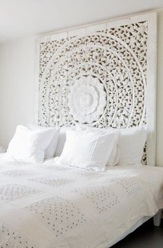 LET THERE BE WHITE - Gorgious Indian screen as a headboard - via Pinterest