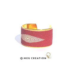 Manchette Galuchat www.meg-creation.com Muriel, Cuff Bracelets, Creations, Jewelry, Fashion, Fine Jewelry, Hands, Moda, Jewlery