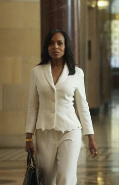 """Escada"" Besjana Blazer and Tova Pants paired with ""Manolo Blahnik"" Black leather pumps and a ""Prada"" Saffiano LUX tote - worn by Olivia Pope (Kerry Washington) in Scandal season 4, episode 1."
