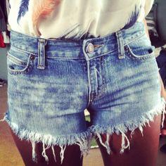 DIY shorts bleach splattered and distressed hem #diy #shorts