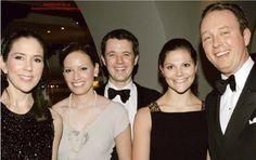 En novembre 2006, le couple héritier, la reine Margrethe, la princesse Benedikte et sa famille ont assisté aux 90 ans fêtés en grande pompe du Comte Carl Johan Bernadotte, oncle de l'actuel roi de Suède !