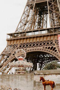 Paris Reise Tipps für regnerische Tage: Die besten Tipps und Plätze, Cafés, Boulangerien und eine Tour durch Paris ohne nasse Füße! Paris Travel Tips, Museum, Rainy Days, Cities, Louvre, Digital, Building, Places, Beautiful Places