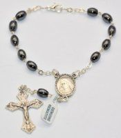 Rosary Rings are also known as the Single decade rosaries or pocket rosary, they are small enough to be easily carried around making a perfect gift to give to a soldier. Catholic Store, Rosary Beads, Rosaries, Beaded Bracelets, Pocket, Rings, Car, Jewelry, Automobile