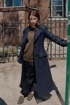 The New York Times Style (Mark Peckmezian) - 003 - Adoring Anya Taylor-Joy Anya Taylor Joy Split, Anya Joy, Actrices Hollywood, Celebrity Crush, Celebrity Style, Girl Crushes, Beautiful People, Celebs, Street Style