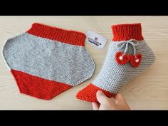 New design very easy ladies knitting boots socks knit slippers needle,Çeyizlik kola. - New design very easy ladies knitting boots socks knit slippers needle, - Knitting Basics, How To Start Knitting, Easy Knitting, Knitting Stitches, Knitting Socks, Knitting Needles, Knitted Booties, Knit Boots, Knitted Slippers