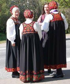 Fine fruer i hallingdal stakk Tribal Dress, Wedding Costumes, Going Out Of Business, Folk Costume, Body Modifications, Festival Wear, Traditional Dresses, Dance Wear, Body Painting