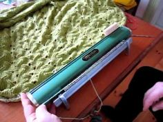 Video to how to use the Meda hand knitting machine.