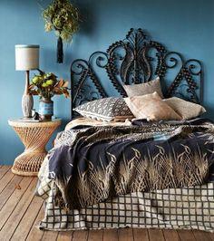 Diy boho chic decor ideas on a budget bed head, boho decor, boho diy, pea. Diy Home Decor Rustic, Diy Home Decor Bedroom, Diy Home Decor On A Budget, Bedroom Ideas, Décor Boho, Boho Diy, Boho Chique, Style Boho, 70s Style