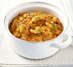 Easy Thai prawn curry - Very quick to make and incredibly tasty, would work well with chicken too. Perfect Friday night food, a warming low fat prawn curry ready in just 20 minutes Bbc Good Food Recipes, Indian Food Recipes, Asian Recipes, Cooking Recipes, Healthy Recipes, Thai Prawn Recipes, French Recipes, Healthy Dinners, Cooking Ideas