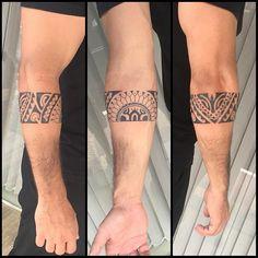 Bracelete. #maoritattoo #maori #polynesian #tattoomaori #polynesiantattoos #polynesiantattoo #polynesia #tattoo #tatuagem #tattoos #blackart #blackwork #polynesiantattoos #marquesantattoo #tribal #guteixeiratattoo #goodlucktattoo