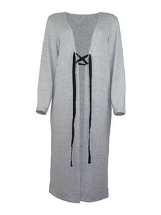 Maxi Cardigã De Trico | Nosso cardigã de tricô é amplo, confortável, e quentinho para o inverno. Possui a opção de usar com amarração na frente ou totalmente aberto.