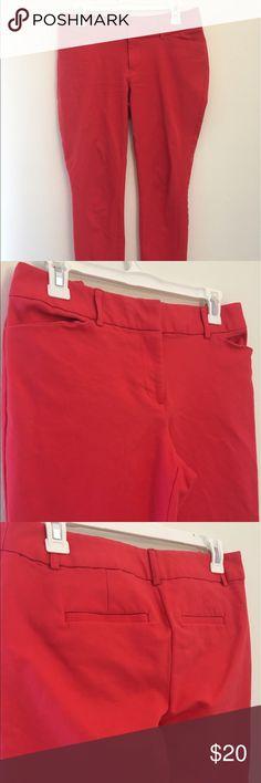 Coral Women's Dress Pants Coral crop dress pants. Liz Claiborne Petite. Size 6. Stretchy and comfy. Make an offer. Liz Claiborne Pants Ankle & Cropped