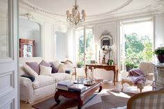 Dreamy romantic French apartment