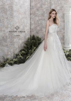 Wedding Images, Wedding Styles, Hardy Amies, Dress Brands, One Shoulder Wedding Dress, Wedding Gowns, Pretty, Beautiful, Gorgeous Dress