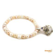 Heute noch #portofrei bei #samakioriginals bestellbar: #Engelsrufer Perlen Armband mit #Mondstein  hier gehts zum Armband im samakishop: http://www.samakishop.com/epages/61220405.sf/de_DE/?ObjectPath=%2FShops%2F61220405%2FProducts%2FABP5  #mallorca #canpicafort #alcudia #arta