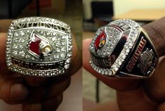 The Louisville Cardinals 2013 basketball national championship rings are crazy slick. Basketball Court Layout, Basketball Leagues, Basketball Uniforms, Football And Basketball, Baseball, University Of Louisville, Louisville Kentucky, Louisville Cardinals Basketball, Football Gear