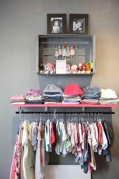 Можно ли разместить все нужные вещи в очень маленькой квартире? Не сомневайтесь: можно. Если вы не знаете, как — наш материал вам поможет
