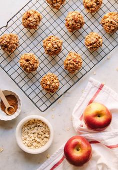 4 INGREDIENT APPLE CINNAMON OATMEAL BREAKFAST COOKIES