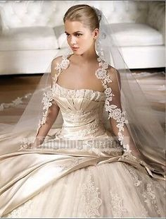 I just really like the veil Light Champagne Wedding Dress Bridal Gown Custom Size 4 6 8 10 12 14 16 18 20 22 Ivory Wedding, Wedding Veils, Luxury Wedding, Bridal Veils, Silk Wedding Gowns, Couture Wedding Gowns, Bridal Lace, Wedding Bride, Beautiful Wedding Gowns
