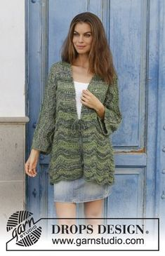 Forest Call - Knitted jacket with kimono sleeves, wave pattern and shawl collar. Sizes S - XXXL. The piece is worked in DROPS Delight and DROPS Kid-Silk. Free knitted pattern DROPS 187-33