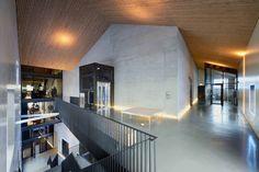 poppodium music venue in the netherlands by van dongen-koschuch