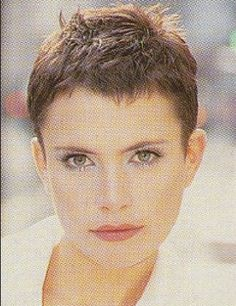Versatile pixie cut with longer hair on top of the head. Hair that is easy to manage and maintain. Super Short Pixie, Edgy Short Hair, Short Hair Cuts, Short Hair Styles, Wavy Pixie, Pixie Cuts, Long Pixie, Short Pixie Haircuts, Cute Hairstyles For Short Hair