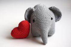 Petite Maille | Le crochet c'est pas ringard !: Elephant au crochet, en français