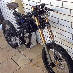 """Weve got 100 pcs of 200 mm Front Forks left. Dnm - double disc like on this #greyborgbikes . . . .…"""