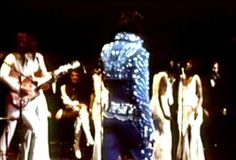 Elvis on stage in Greensborrow in april 14  1972.
