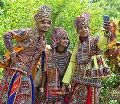 Garba Dress, Navratri Dress, Dandiya Dress, Folk Costume, Costumes, Ethenic Wear, Indian Classical Dance, Blouse Neck Designs, Dresses Kids Girl