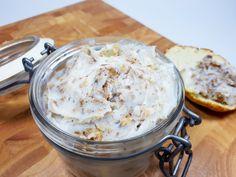 Przepis na klasyczny smalec domowy z cebulą idealny do pieczywa i kiszonego ogórka. Niezwykle prosty i szybki w przygotowaniu a do tego tani. Halibut, Lchf, Paleo, Low Carb, Sugar, Fat, Beach Wrap, Paleo Food