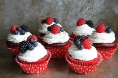 Red Velvet Cupcakes with Cream Cheese Frosting (Gluten Free and . Gluten Free Recipes gluten free of july snacks Allergy Free Recipes, No Dairy Recipes, Sugar Free Recipes, Frosting Recipes, Cupcake Recipes, Cupcake Cakes, Cupcake Party, 4th Of July Desserts, Summer Dessert Recipes