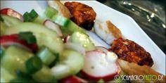 Indisch inspiriertes Hähnchen mit Gurken-Radieschen-Salat