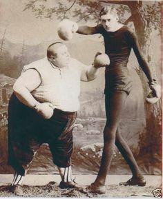 VICTORIAN CURIOSITY BOXING FAT SKINNY MAN CIRCUS SIDESHOW FREAKSHOW FREAK SHOW