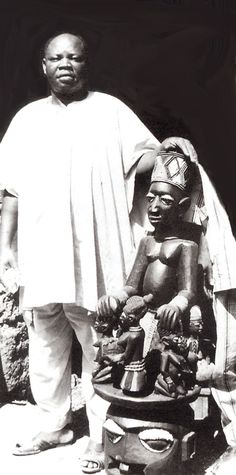 Sculptor Bamilede Aerogun in Osi Ilorin. (Photo: J. Pemberton III, 1981)