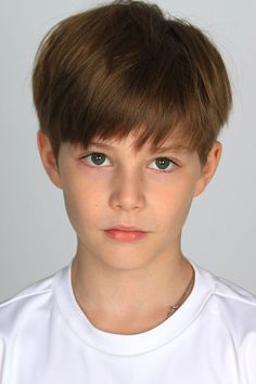 Click to bring to front Teen Boy Hairstyles, Funky Hairstyles, Formal Hairstyles, Haircuts For Men, Young Boy Haircuts, Boy Fashion 2018, Young Boys Fashion, Young Cute Boys, Cute Teenage Boys
