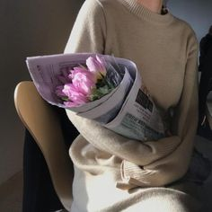 Discover recipes, home ideas, style inspiration and other ideas to try. Beige Aesthetic, Korean Aesthetic, Flower Aesthetic, Aesthetic Photo, Couple Aesthetic, Girls With Flowers, Beautiful Flowers, Beautiful Pictures, Bloom Baby