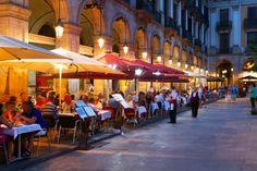 10 reasons to love Barcelona I Placa Reial I Icelolly Blog