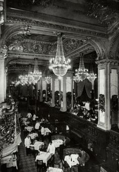 New York Café in the Budapest Hungary New York Cafe Budapest, Budapest Restaurant, Cafe New York, Old Pictures, Old Photos, Restaurant Pictures, Neoclassical Architecture, Urban Architecture, Central Europe