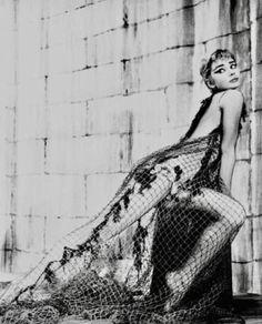 Audrey Hepburn-Ondine-1954