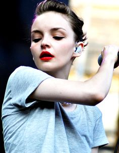 Lauren Mayberry of Chvrches - Beautiful with a gorgeous voice and great style