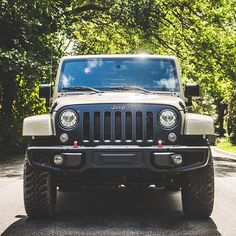 Frame-worthy. #jeep #itsajeepthing #jeeplove #jeeplife #wrangler #jeepwrangler #jeepporn #jeepfamily #OIIIIIIIO