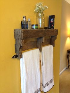 If the idea is to build some DIY Bathroom Pallet Projects, you're in the exact right place. Embrace the catalog of what to make with pallets on glamshelf.com #palletwood #bathroomdiy #bathroomideas